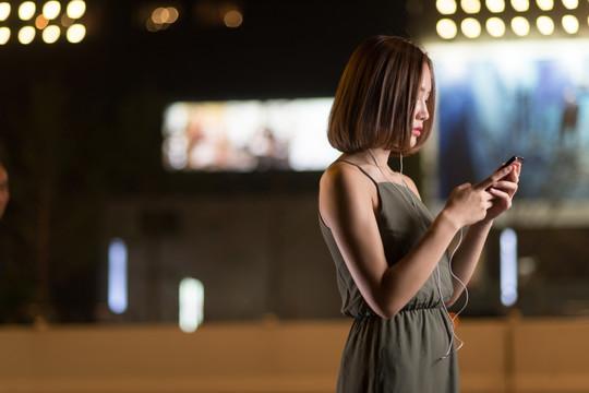微信赚钱一天100收入:利用微信赚钱的方法